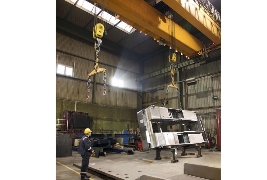 Brückenkrane in der Stahlproduktion:: Präzision für Schwergewichte