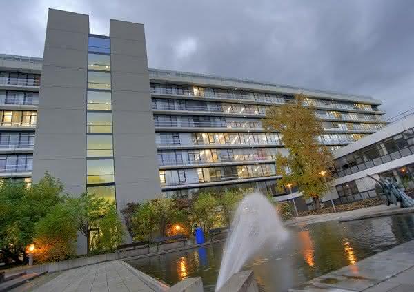 Zusammenarbeit fortgesetzt: DKFZ und Bayer forschen gemeinsam