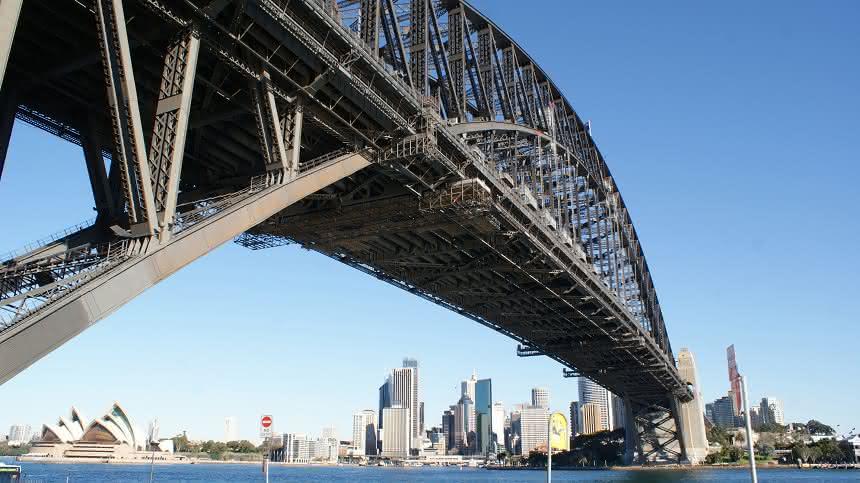 Roboter  sanieren die Sydney Harbour Bridge:: Rosie und Sandy als Sysyphus