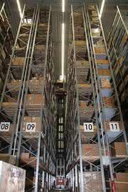 Schnelle Logistik mit modernster Technik: Oerlikon Leybold Vacuum bezieht neues Zentrum