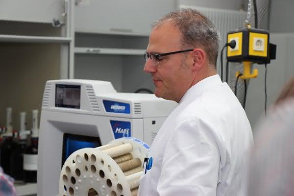 Feststoffanalytikseminar: Von der Laborprobe zum Analysenergebnis