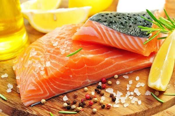 Der Eskimo-Effekt: Alkoholate von Evonik werden bei der Herstellung von Omega-3-Fischöl-Konzentrat eingesetzt