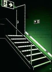 Langnachleuchtende Leitsysteme: Sicherheit im Dunkeln