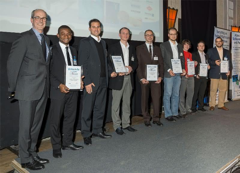 Innovationspreis Schaumkunststoffe 2013 verliehen: PE-Schaum lenkt Atome und Rinde wird zu Schaum