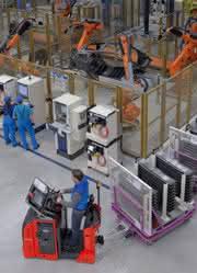 Forschungsprojekt H2IntraDrive gestartet: Stapler und Schlepper mit Wasserstoffantrieb für BMW