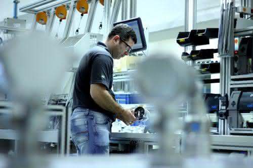 Fertigung nach europäischem Vorbild: Endress+Hauser eröffnet Werk in Brasilien