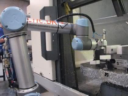 Industrierobotik unterstützt auch den Mittelstand: Maschinengesellen schaffen Spielraum