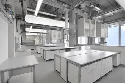 Laboreinrichtungssystem Scala: Geringe Betriebskosten, hoher Schutz