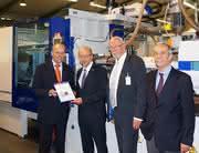 News: Wittmann Battenfeld übergibt 35.000ste Maschine an Müller-Technik