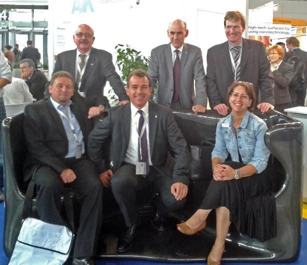 Die AVK-Mitgliederversammlung hat die bisher amtierenden Vorstandsmitglieder im Amt bestätigt.
