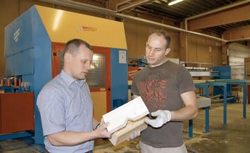 Abbundmaschinen: Holzverpackungen auf Knopfdruck herstellen