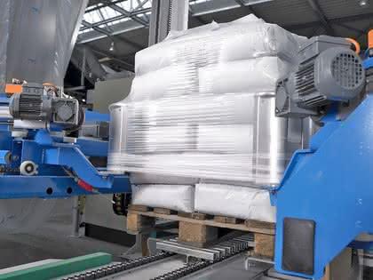 Schüttgut in der Linie effizient verpackt: Vom Sack zum Stapel