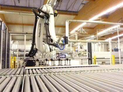 Roboter: Holzplatten effizient stapeln