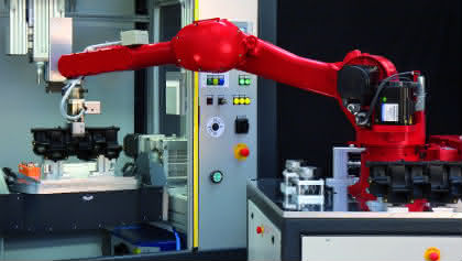 Bestückung von Bearbeitungszentren mit neuer Technologie: Mobiler Roboter kommt in Fahrt
