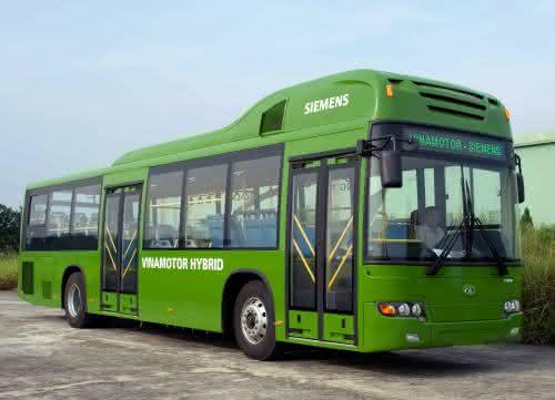 Märkte + Unternehmen: Siemens: Hybridbusse verbessern Hanois Stadtluft