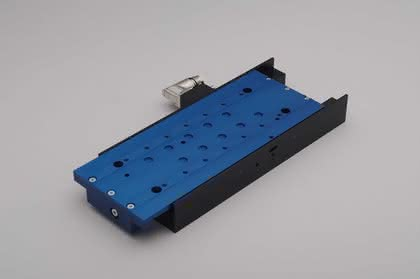 Linearmotor-Positioniertische: Ultraflache Dynamik