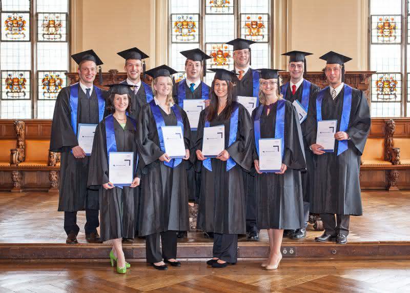 News: HIWL Bremen: Erste Logistik-Bachelors an der dualen Hochschule
