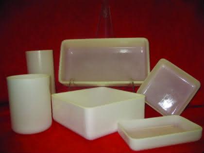 Labortechnik: Schmelzgefäße aus gegossenem Quarzglas