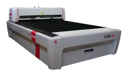 Lasermaschine: In zwei Formaten erhältlich