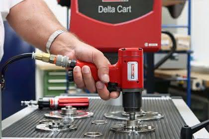 Transportable Lösung für Qualitätssicherung in der Schraubmontage: Das Werkzeug bleibt da!
