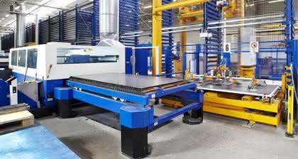 Blechbearbeitung: Bis 25 Millimeter