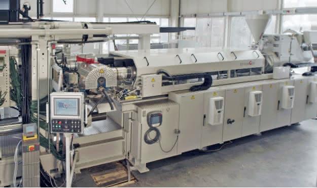 Integrierte Schmelzefiltration für den direkten Einsatz von Recyclingmaterial: Selbst ist die Spritzgießmaschine