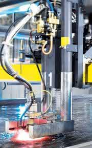 Plasmaschneidsystem: Über und im Wasser