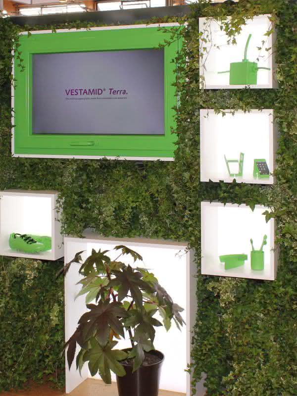 News: Ein Jahr biobasierter Hochleistungskunststoff