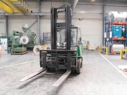 Cesab-Schwerlaststapler im Drei-Schichtbetrieb bei ThysenKrupp: Body-Guards für den Staplerfahrer