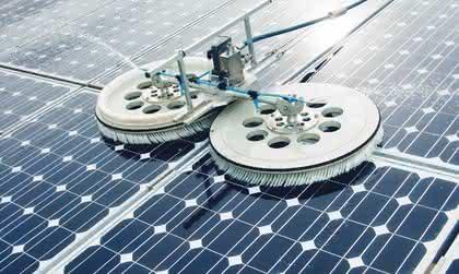 Technische Bürsten: PV-Anlagen effizient reinigen