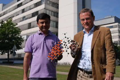 Material- und Werkstoffprüfung: Gewölbtes Graphenmolekül