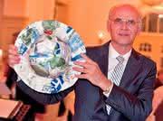 Plast-Szene: Werner Preusker bekommt Kunststoff-Nachhaltigkeitspreis 2012