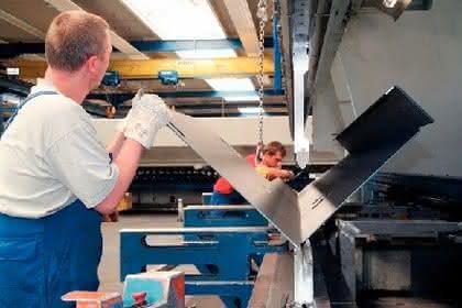 Blechbearbeitung: Länge läuft
