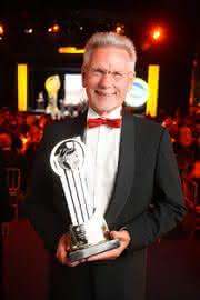 Märkte + Unternehmen: Unternehmerpreis 2012 geht nach Afrika