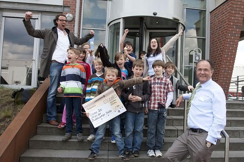Wirtschaft + Unternehmen: Hellmann Schülerwettbewerb: Sieg für Solartransport und Apfelkuchen