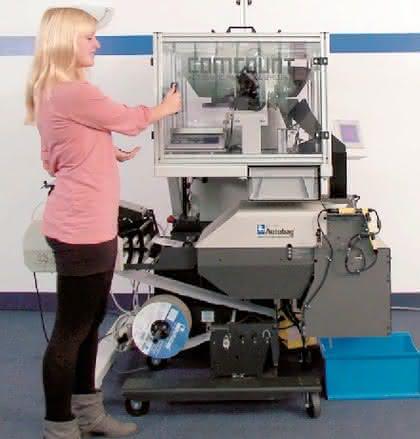 Automatisierung: Kleine Schüttgüter sicher in den Beutel