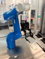Sechsachsroboter TX60: Der Milch-Abholer
