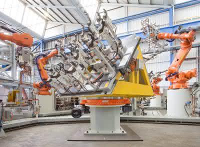 Industrieroboter: Schwere Lasten dynamisch und sicher positionieren