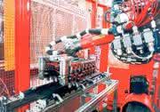 Clipsmontage: Sechs-Achser verbinden in der Kunststofftechnik