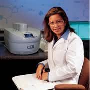 Produkt-News: Studentenpaket: Mikrowellenaktivierte Synthesen im Organisch-Chemischen Praktikum