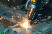 Servomotoren kommen  in kompakter Bauweise: Anspruch auf gehobene Applikation