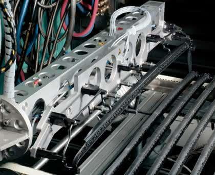 Greifer für die Kunststoffindustrie: Alles gut im Griff