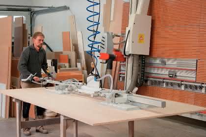Holzplattenhandling mit VacuMaster: Schreiner-Gehilfe