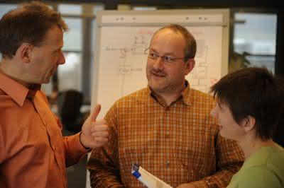 Märkte + Unternehmen: Lenze gründet Engineering-Gesellschaft