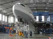 Märkte + Unternehmen: Lufthansa Technik setzt auf Günzburger Steigtechnik