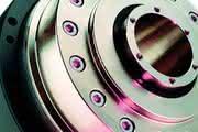 Hohlwellen-Antriebe: Ab durch die Mitte