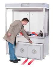 Produkt-News: Bedienkomfort bei der Gefahrstofflagerung im Labor Der moderne Unterbauschrank