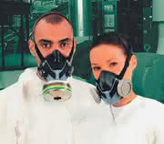 Atemschutzmaske: Sehr einfach anzuwenden