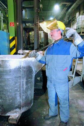 Aluminium-Druckguss, Schutzkleidung im Leasing: Schützt wie angegossen