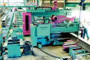 Stahlkontruktionen, Säge-Bohr-Anlagen: Eintauchen  zum  Werkstücksägen